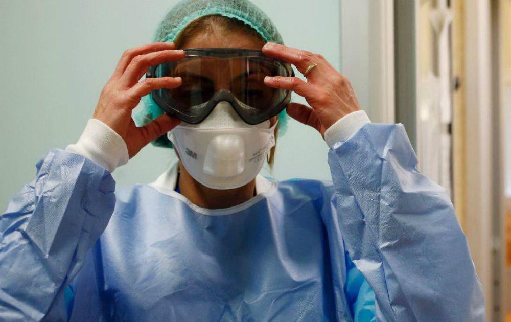 occhiali protettivi a mascherina