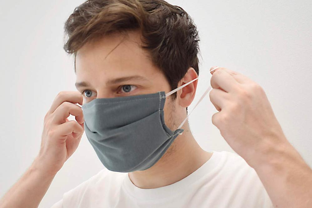 indossare mascherina riutilizzabile